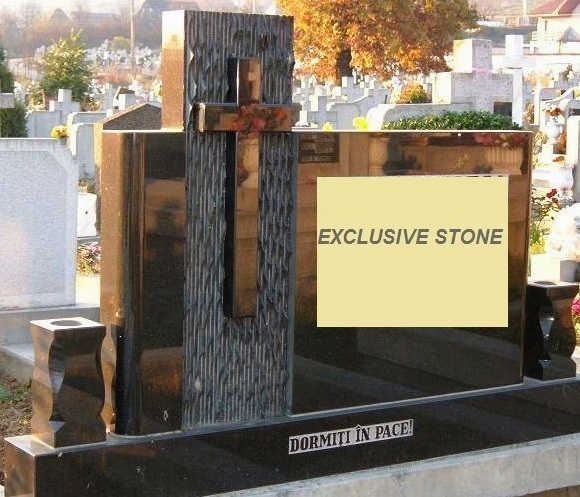 Monument executat din masiv de granit Negru Absolut