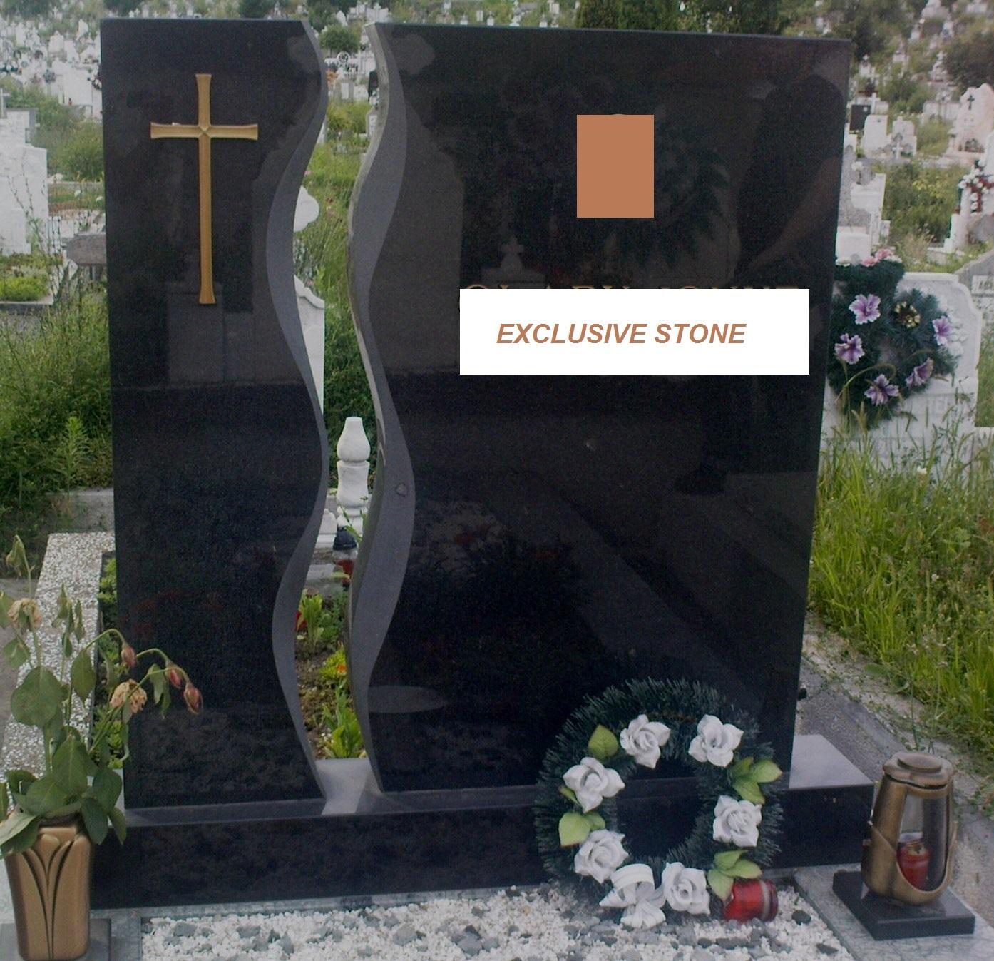 Cruce executata din masiv de granit Negru absolut