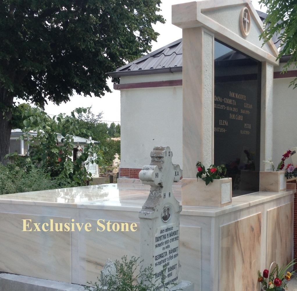 Monument placare speciala din masiv de  Marmura Ruschita Roz